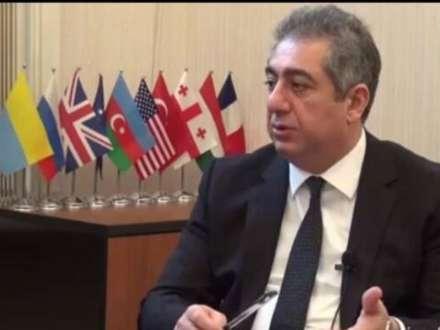 """Qubad İbadoğlu:""""Novruz Məmmədov keçid dövrünün baş naziri ola bilər"""""""