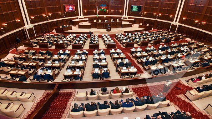Milli Məclisdə deputatların sayı azaldı
