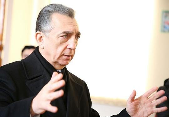 Eldar Əzizov Bakı meriyasında kadr dəyişikliyi edəcəkmi?