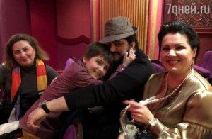 Azərbaycanın əməkdar artisti ailəsi ilə birlikdə London teatrından qovuldu