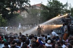 Ermənistanda etiraz aksiyaları yenidən başlayıb – VİDEO