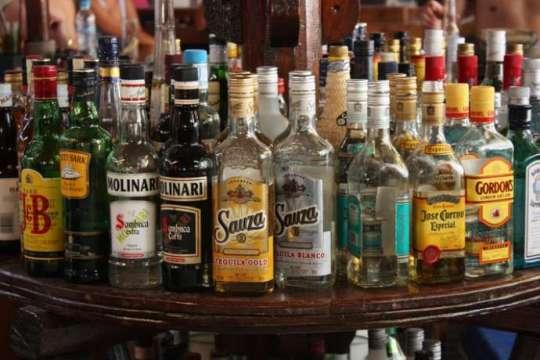 Moskvada bu da oldu: qeyri-iş günlərində spirtli içki satılmayacaq