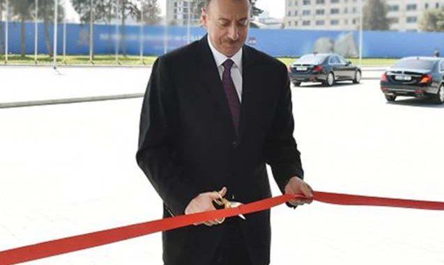 Prezident YAP-ın yeni binasının açılışında