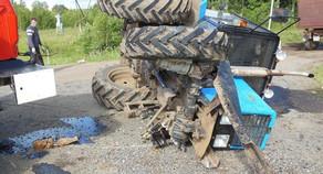 Fəhlələri daşıyan traktor aşdı – Ağır yaralılar var (YENİLƏNİB)