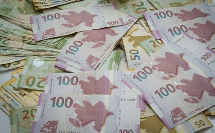 Əhalinin banklarda 7.8 milyard manatdan artıq pulu var
