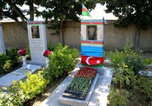 Milli Qəhrəman Mübariz İbrahimovun məzarı ziyarət edildi