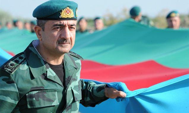 General 2 kilometrlik bayraq daşıdı – Fotolar