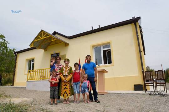 Tərtər rayonunda yaşayan çoxuşaqlı erməni ailəsi üçün yeni ev tikildi – FOTOLAR