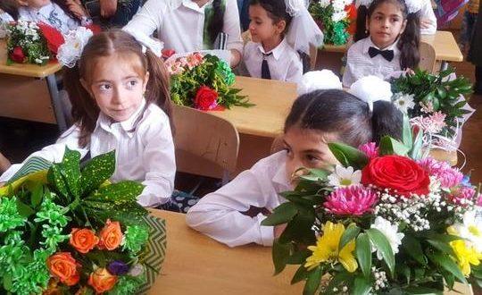 Bu gün Azərbaycanda Bilik Günüdür – 165 780 şagird birinci sinifdə təhsil alacaq