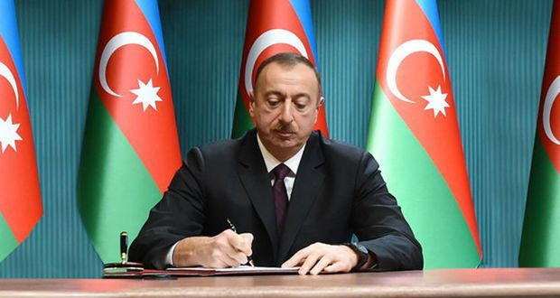 İlham Əliyev 2 fərman, 2 sərəncam imzaladı