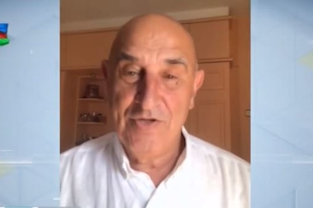 """Mustafa bəy Vəkilovun oğlu AzTV-yə danışdı: """"Azərbaycan"""" sözünü eşidəndə gözyaşlarını saxlaya bilmirdi"""""""